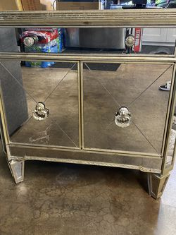 Z Gallerie Borghese Vintage Mirrored Nightstand for Sale in Orange,  CA
