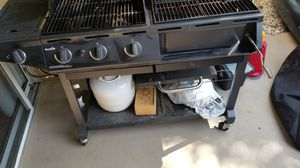 BBQ gas and charcoal for Sale in Roselle, IL