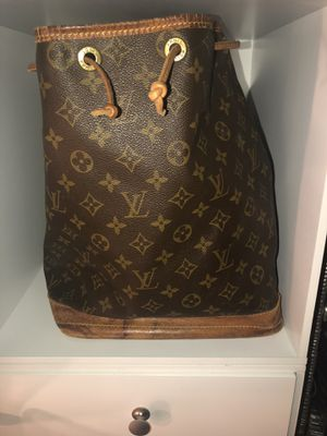 Louis Vuitton bag for Sale in Ceres, CA