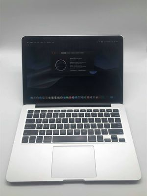 """Macbook Pro 13"""" 2015 i5 8gb 256gb ssd plus PS/AI and many more! In very good condition. for Sale in North Las Vegas, NV"""