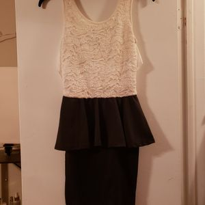 Size Small Dress for Sale in Pretty Prairie, KS