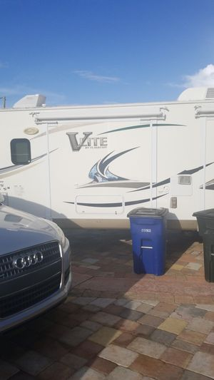 2013 V Lite by Flagstaff for Sale in North Fort Myers, FL