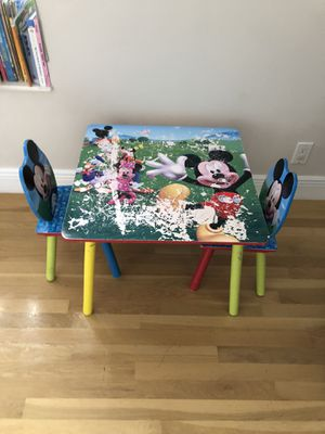 Mickey and Minnie Mouse table and chairs for Sale in Aventura, FL
