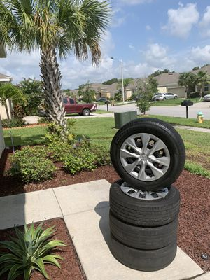 Toyota Corolla rims and tires for Sale in Kissimmee, FL
