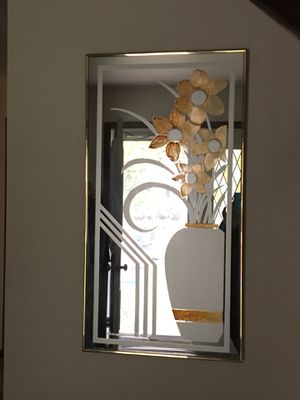 Beautiful Mirror Wall Art Vase with Flower Vase Design in White and Gold, Entryway Mirror for Sale in Arlington Heights, IL
