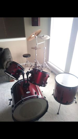 Pearl Drum set (missing snare drum)!! for Sale in Dallas, TX
