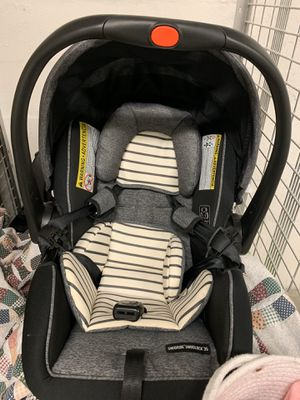 Design infant car seat top brand, brand new in storage unit, also comes with a seat booster to buckle car seat in for Sale in Lake Worth, FL