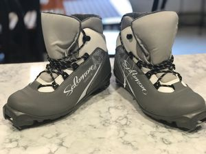 Salomon ski boots/woman's 6.5 brand new for Sale in Hooksett, NH
