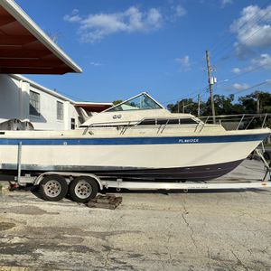 25 Ft Wellcraft Boat And Honda Outboards for Sale in Orlando, FL