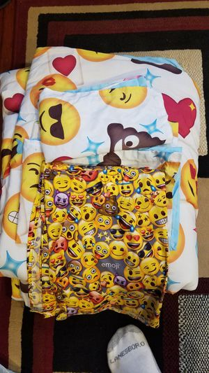 Emoji comforter and lamp for Sale in Old Bridge, NJ