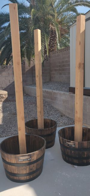 Planter posts/ plant pot for Sale in Las Vegas, NV