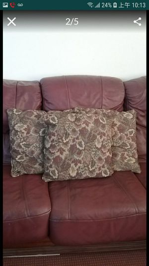 Set of 3 home decor pillows $3 for all for Sale in Winchester, CA