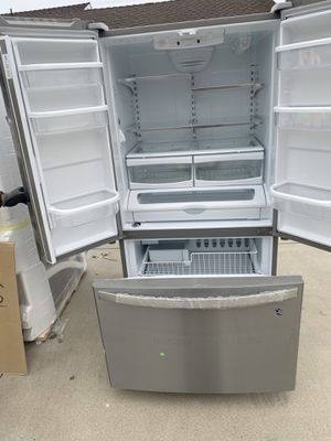 Whirlpool Refrigerator for Sale in Covina, CA