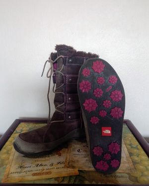 Women's size 7 boots (North Face) Almost new, Rarely worn, Clean, From smoke free & pet free home! for Sale in Bellevue, WA