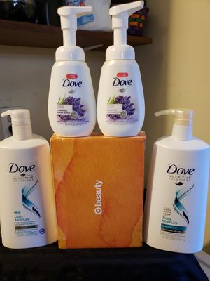 ●PICK UP BELL GARDENS● $20 FOR 2 DOVE 25.4oz BOTTLES, TARGET BEAUTY BOX, & 2 HAND SOAPS/$20 POR TODO ( SHAMPOO + 1 CONDITIONER) for Sale in Bell Gardens, CA