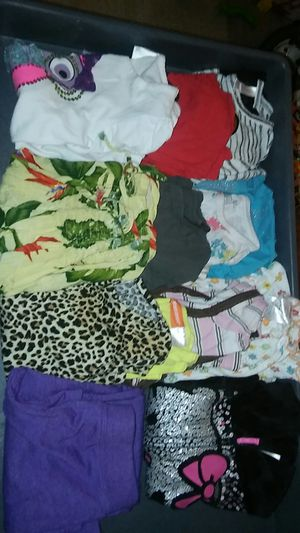 Size 4/6 girl clothes bundle for Sale in Sterling, VA