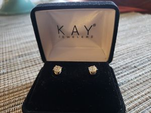 SAVE on 1.5 tcw round diamond earings! for Sale in Vancouver, WA