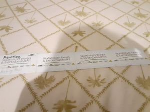 4 Aquatica Park tickets with parking pass for Sale in Port St. Lucie, FL