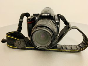 Nikon D5000 Digital SLR Camera with Nikon AF-S 18-55mm VR DX Lens Kit for Sale in Arlington, VA