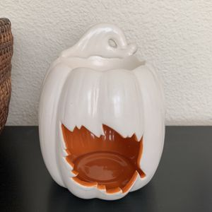 Partylite Melt Tea Light Candle Holder Warmer Pumpkin With Leaves Autumn Scent Warmer for Sale in San Lorenzo, CA