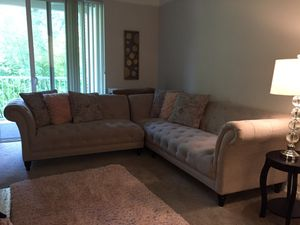 Beige tufted couch for Sale in Issaquah, WA