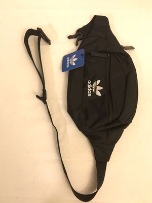 Brand New Adidas Waist Bag Fanny Pack Matte Black for Sale in Delaware, OH