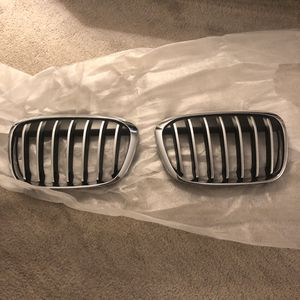 BMW X1 Left & Right Side Grille for Sale in Los Angeles, CA