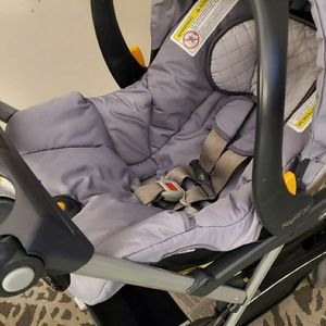 Chicco Infant Cart Seat KeyFit 30 + 2 Bases + KeyFit Caddy Lightweight Aluminum Infant Car Seat Carrier Stroller ($500+ Value) for Sale in Columbus, OH