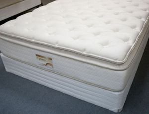 Queen size mattress 2 months old for Sale in Torrance, CA