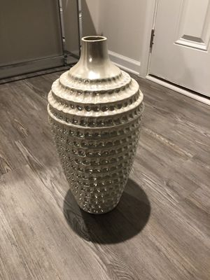 Decorative pearl color vase for Sale in Lexington, SC