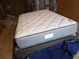 Full Serta firm matres and boxpring pillows tap for Sale in Hayward, CA