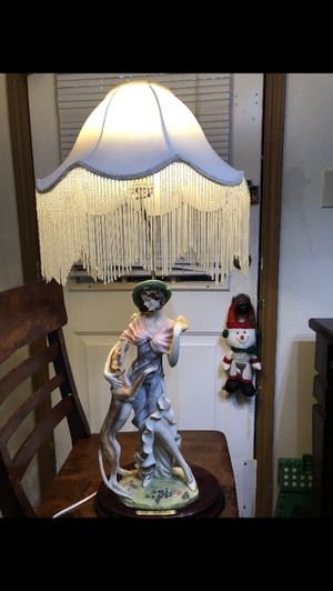 Ok collection antique lamp for Sale in San Antonio, TX