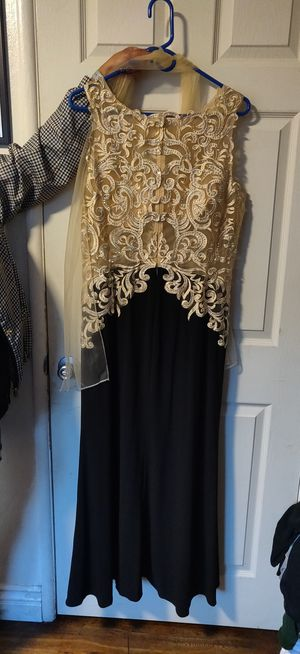 Black and gold dress for Sale in Sunnyvale, CA