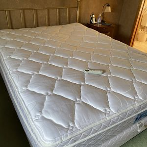 Queen Size Select Comfort Bed for Sale in Rochester, PA