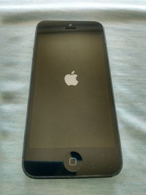 iPhone 5 great shape factory unlocked 16GB flat black for Sale in North Miami Beach, FL