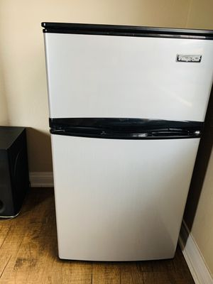 Mini fridge (freezer and fridge) for Sale in Chino Hills, CA