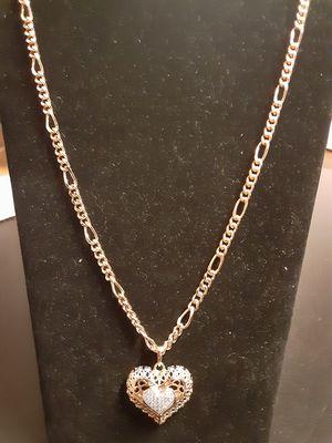 Gold pleated chain n charm. Cadena con dije en oro LAMINADO o CHAPEADO GARANTIZADO for Sale in Nashville, TN