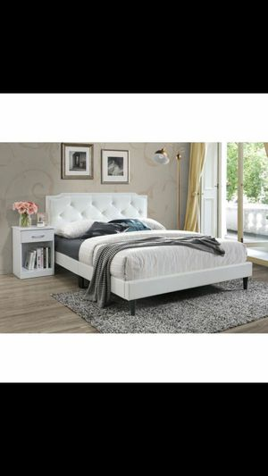 Queen bed frame for Sale in The Bronx, NY