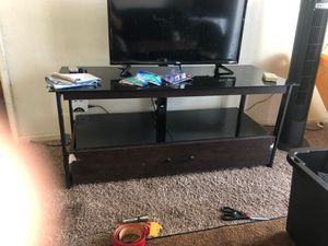 Tv stand free for Sale in Long Beach, CA