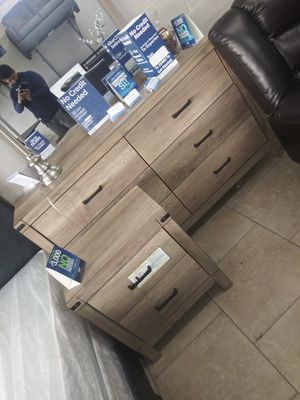 3pcs dresser with mirror and 1 night stand for Sale in North Las Vegas, NV