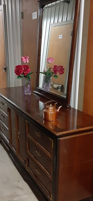 QUALITY BIG SOLID WOOD 9 DRAWERS DRESSER WITH BIG MIRROR for Sale in Fairfax, VA