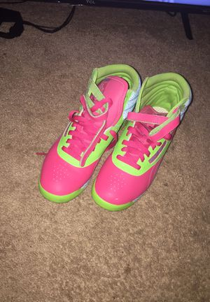 PINK & GREEN REEBOK for Sale in Baltimore, MD