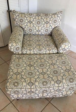 Ottoman for Sale in Miami, FL