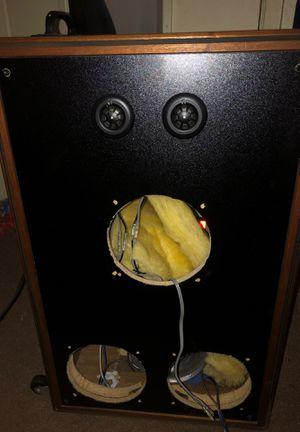 Speaker box / 2 kicker tweeters, 1 kicker cs speaker for Sale in Ceres, CA