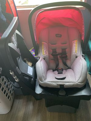 Even flo car seat with 2 bases for Sale in Alvarado, TX