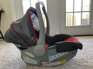 Graco SnugRide Infant Car Seat + Stroller for sale. for Sale in Morrisville, NC