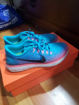 Womens size 7.5 Nike running shoes for Sale in San Francisco, CA