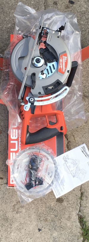 """Milwaukee 2830-20 M18 FUEL Rear Handle 7-1/4"""" Circular Saw (Bare Tool. Tool only for Sale in Fremont, CA"""