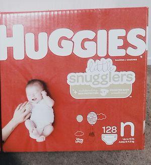 Huggies little snugglers newborn 128 count for Sale in Tulare, CA