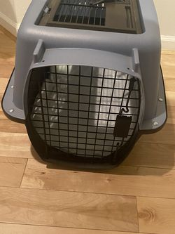 Medium Top Front Load Pet Transport Crate for Sale in Covington,  WA